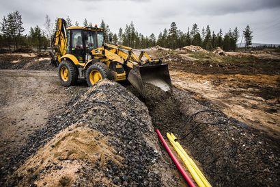 Valokuitu yltää jo jokivarsille Rovaniemellä – Napapiirin kuituverkkojen runkoverkko on vedetty keskustan kaikkiin kaupunginosiin, mutta valokuidun ulottaminen haja-asutusalueille on haastavaa