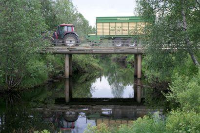 Siltarahaa luvassa Kouvanjoentielle – huonokuntoinen silta remonttiin tänä kesänä