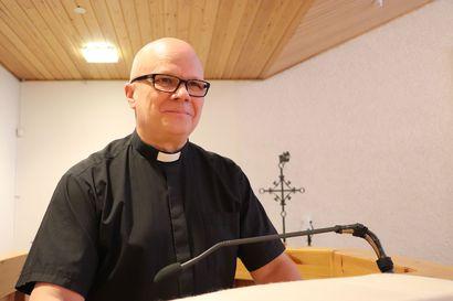 """Alkuun parit kulttuurishokit – puoli vuotta seurakuntapastorina on opettanut """"etelänmiehen"""" Pudasjärven tavoille"""