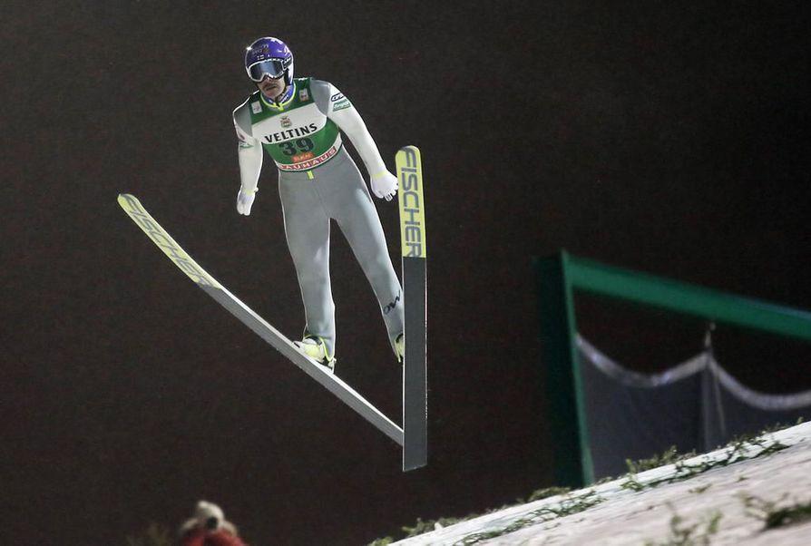 Janne Ahonen ehti hypätä ennen kuin kisa peruttiin.