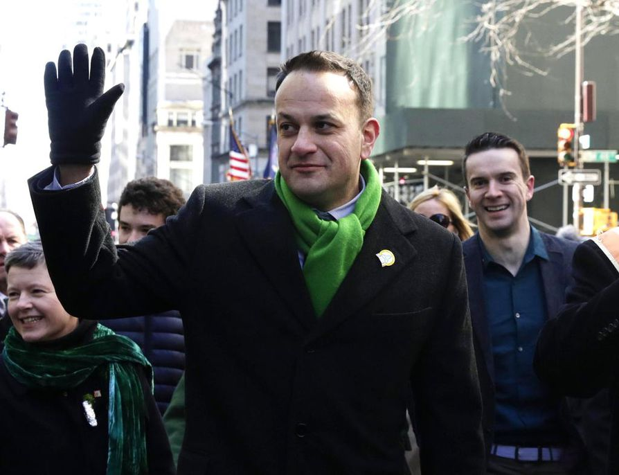 Irlannin pääministeri Leo Varadkar (vas.) kannattaa aborttia. hänet kuvattiin kumppaninsa Matt Barrettin kanssa maaliskuussa New Yorkissa.