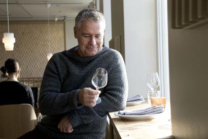 """Uutisvuodon isä, idealisti ja kulinaristi pyrkii kotonaan nollahävikkiin: """"Syön paljon halpoja mutta laadukkaita asioita"""" – Näin se onnistuu"""
