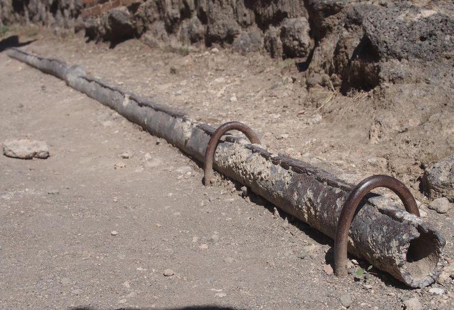 Käyttövesi kulki lyijyputkissa.