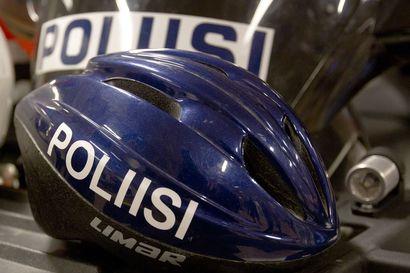 """Ensi kesänä Oulun katukuvassa saattaa näkyä polkupyörillä kulkevia poliiseja – """"Häiriökäyttäytyjän putkaan vieminen Rotuaarilta ei mahda onnistua"""""""