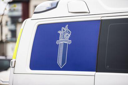 Epäilty alaikäinen rattijuoppo tavoitettiin poliisikoiran avulla Pyhäjoella