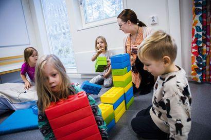 Rovaniemen päiväkodit ovat tupaten täynnä – Kaupunki perustaa kiireesti lisää ryhmiä, mutta löytyykö niihin pätevää henkilökuntaa?