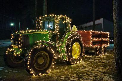 """""""Lähti ihan läpällä"""": Jontikka valaistiin porukalla Siikajoella – lähetä kuva omista jouluvaloistasi"""