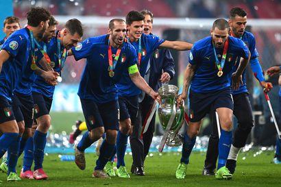 Italia palasi jalkapallon Euroopan mestariksi 53 vuoden tauon jälkeen