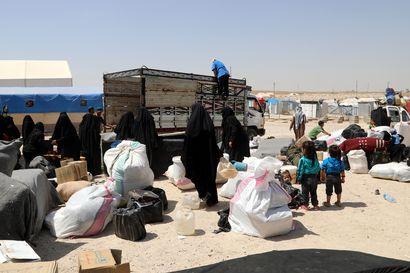 Syyriassa al-Holin leirillä olleet nainen ja kaksi alle kouluikäistä lasta kotiutettiin tänään Suomeen