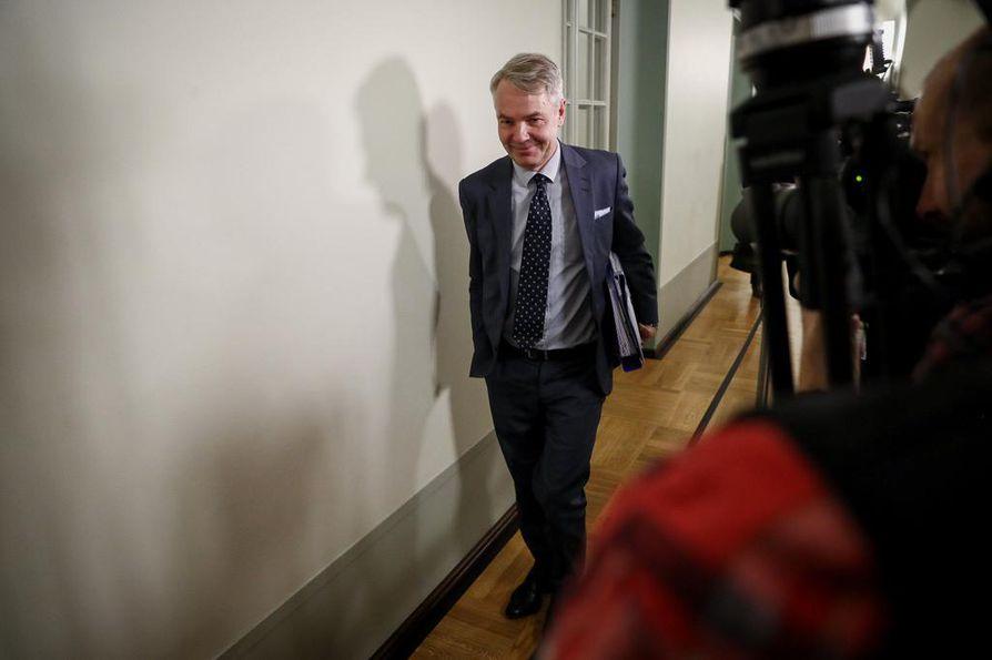 Ulkoministeri Pekka Haavisto saapui eduskunnan perustuslakivaliokunnan kuultavaksi.