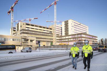 OYSin sairaalatyömaa on kovassa vauhdissa – säästöjä voi tulla miljoonia, jos A- ja B-rakennukset valmistuvat etuajassa