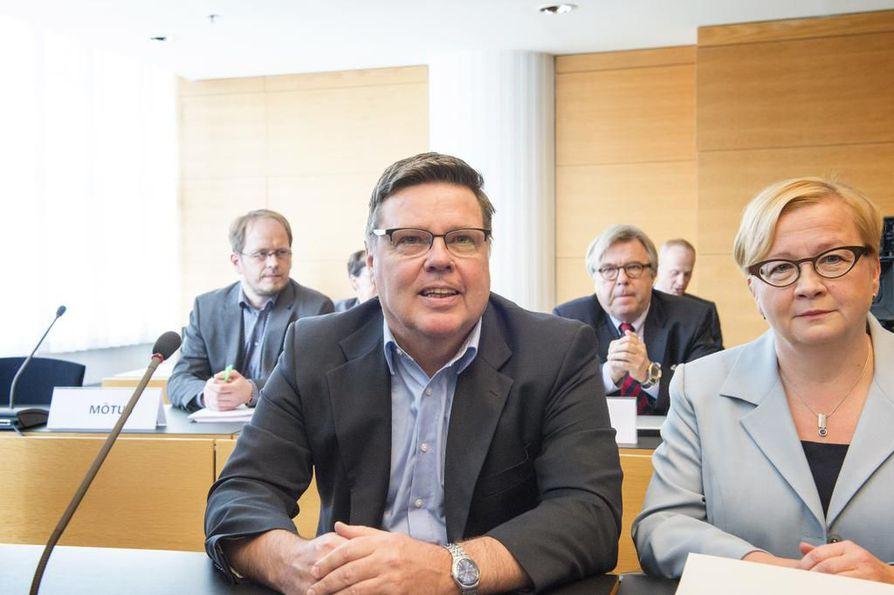 Helsingin huumepoliisin entinen päällikkö Jari Aarnio on käyttänyt asianajaja Riitta Leppiniemeä avustajanaan myös aiemmissa oikeudenkäynneissään.