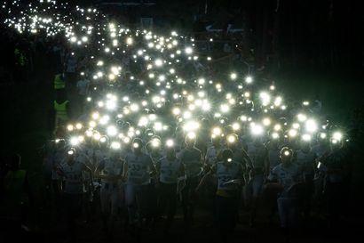 Täysikuu korvaa yöttömän yön Napapiiri-Jukolassa – Toistamiseen siirretty maailman suurin suunnistustapahtuma järjestetään elokuussa Rovaniemellä