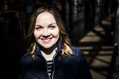 """Katri Kulmuni kertoo siirtäneensä koulutusrahat ministeriöille, puolue oli tarjoutunut maksamaan – """"Olen luvannut itse tämän maksaa ja sanani pitää"""""""