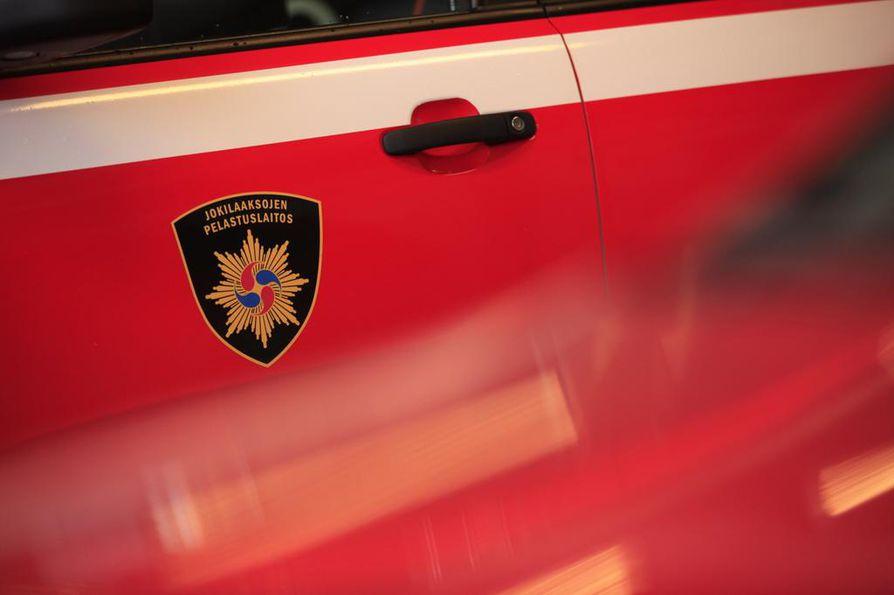 Palokunta sammutti palon, joka aiheutti pieniä savuvahinkoja.