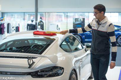 Luksusautojen kauppa käy hyvin Ruotsissa – korona-aikana tavallisten autojen myynti väheni, mutta kalliita urheiluautoja ostetaan entistä innokkaammin