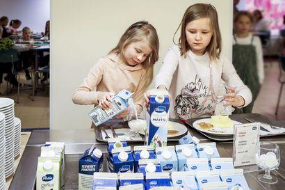 Maitoa korvaavia juomia ei Lapin kouluissa juurikaan käytetä