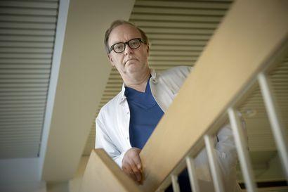 """""""Suomalainen mies ei kestä työttömyyttä ja puolison puutetta"""" – Alkoholin aiheuttama haimatulehdus vie syrjäytyneitä miehiä hautaan, taudista väittelevä lääkäri toivoisi parantuneita seurattavan paremmin"""