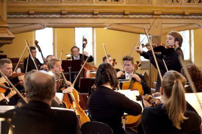 Lukijalta: Eläköön orkesteri ja musiikkiopisto