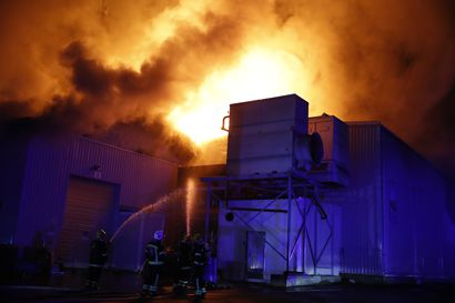 Kylmäsen tulipalosta aiheutuu terveydelle vaarallista savua – ammoniakkisäiliö on vaarassa revetä