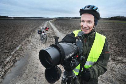"""""""Sukulaiset pitävät hulluna"""" – Juha Kylänpää aikoo polkea lintujen perässä 15 000 kilometriä läpi maan rikkoakseen Suomen ennätyksen"""