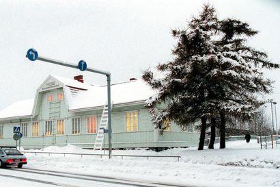 Rovaniemen vanha asema tyhjillään jo vuosia – Lapin taiteilijaseura on kiinnostunut vuokraamisesta, mutta ei halua ottaa riskejä