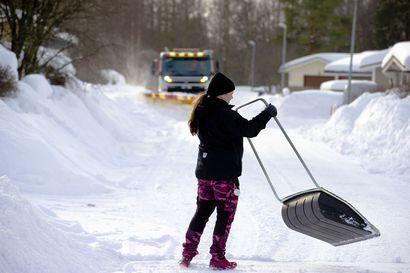 """""""Moni huomaa vasta talvella, ettei aurata"""" – Oiva jätti kuntalaisaloitteen, että Hailuoto auraisi yksityistiet tulevanakin talvena"""