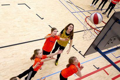 Miten ihmeessä Raahessa ei muka pelata koripalloa?