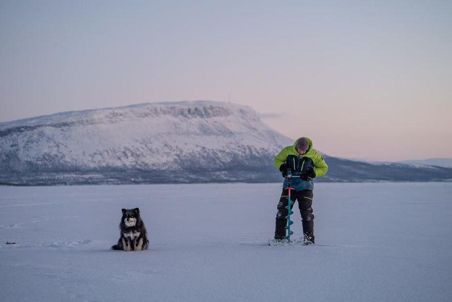 Palkittu parivaljakko Aki Huhtanen ja Äijä seikkailevat myös Eränkävijät – Alpeilta Arktiselle -sarjassa.