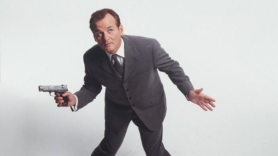 Agenttikomediassa Mies joka luuli liikaa amerikkalaismiestä (Bill Murray) luullaan vakoilijaksi.
