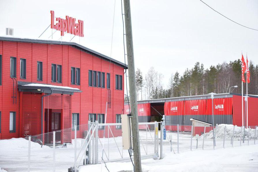 Lapwallin tehdas Pyhännällä on joutuamassa Teollisuusliiton asettamaan saaroon.
