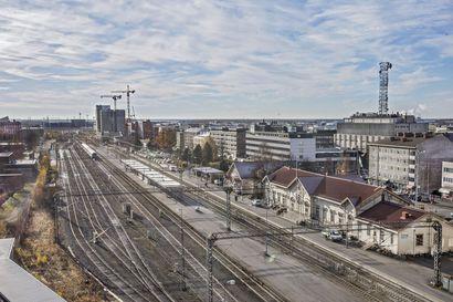Oulun seudun kunnat kurottavat yhteistyöllä saamaan toteen isoja hankkeita, kuten pääradan kaksoisraide tai Lentokentäntien parantaminen