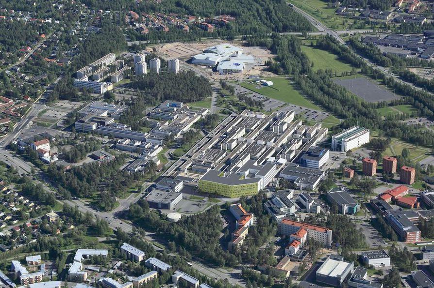 Havainnekuvassa näkyy, kuinka uusi sairaala sijoittuu OYSin pohjoispäähän lähelle Kajaanintietä.