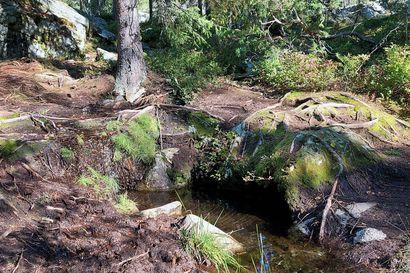 Ounasvaaran luontopolku siirretään kauemmaksi lähteestä – maaperä lähteen ympäriltä pahoin kulunut