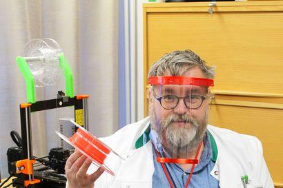 Vaalan apteekkari Jyri Saastamoinen pisti 3D-tulostimen raksuttamaan – tuloksena satoja suojavisiirejä ammattilaisille