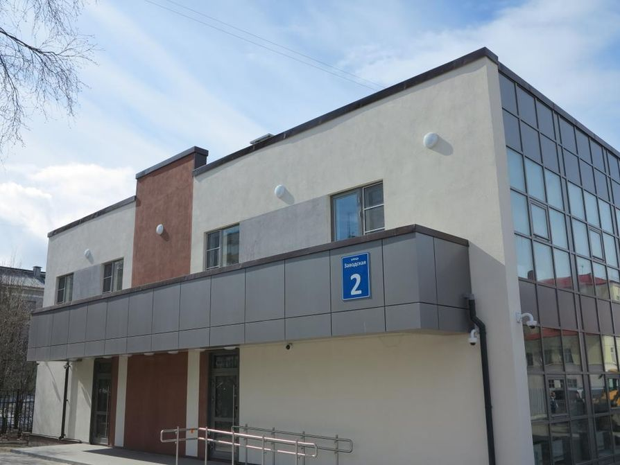 Venäläisturisti voi hakea viisumia Suomeen esimerkiksi tästä Pietarin-pääkonsulaatin toimipisteestä, joka sijaitsee Murmanskissa.