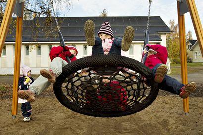 Pääkirjoitus: Suomi tarvitsee selvitäkseen uusia ihmisiä – lapsia oman maan sisältä mutta myös tulijoita rajojen takaa