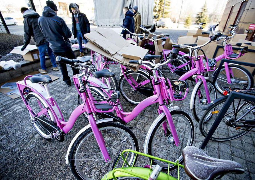 Koe-erä kaupunkipyöriä saapui jo Ouluun.