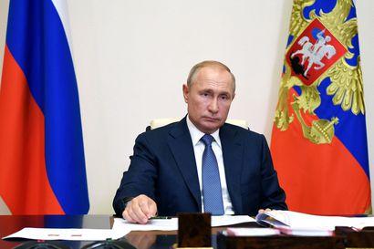 Propagandakoneisto kuumana: Venäjä sanoo Navalnyin myrkytystä esimerkiksi rokotejuoneksi, Saksa-suhteiden sotkemiseksi ja lännen salaliitoksi