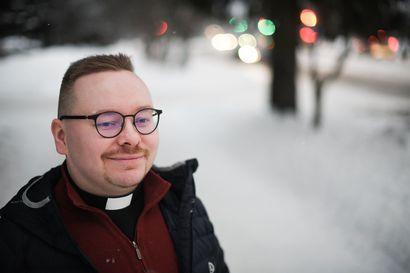 """Kirkon lihavat vuodet ohi – Taivalkosken kirkkoherra Tuomo Törmänen perää rohkeutta: """"Pahinta on se, ettei tehdä mitään"""""""