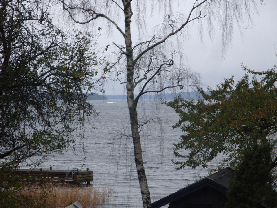 Ruotsin armeija julkaisi valokuvan, jonka sivullinen otti perjantaina.