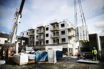 Näkökulma: Rakennusalalta kylmää kyytiä hallituksen työllisyystavoitteelle – ala työllistää jopa 10 000 ihmistä vähemmän ensi vuonna