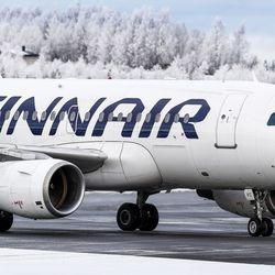 Finnairin aamulento Rovaniemeltä Helsinkiin jäi kentälle koneen moottorivian vuoksi – osa matkustajista päässyt muille lennoille