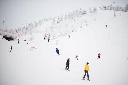 """""""Sillä tavalla nyt rakennamme talvea, että hiihtokeskus pysyy auki"""" – Rukalla uskotaan rinteiden pysyvän auki, Tropiikki laittoi kylpylän kiinni"""