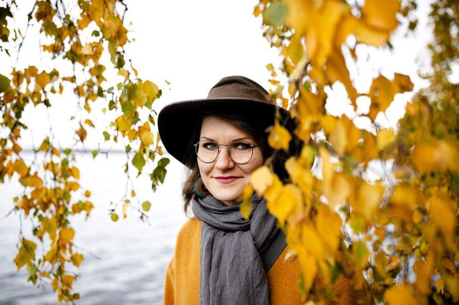 """""""Baltiassa, Venäjällä ja itäisessä Euroopassa on vahva liftauskulttuuri. Siellä tienvarsissa ja huoltoasemilla saattaa törmätä toisiin liftareihin. Suomessa olen törmännyt vain yhtenä kesänä sattumalta liftariin"""", Emma Vepsä kertoo."""