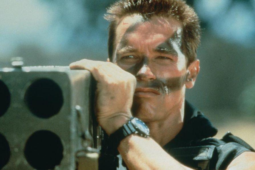 Rankkaa luotisadetta sisältävässä toimintaelokuvassa eläkkeelle jäänyt erikoisiskuryhmän komentaja John Matrix (Arnold Schwarzenegger) lähtee vielä kerran taistelemaan sen jälkeen, kun hänen tyttärensä on kaapattu.