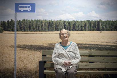 """Muistokirjoitus: Aino Pulli mietiskeli, miten Suomen talous saataisiin kuntoon – Jos minä antaisin viisi euroa ja jokainen kansalainen oman tulotasonsa mukaan, saataisiin Suomi nousuun."""""""