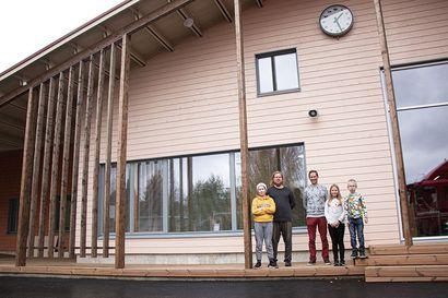 Iin Alarannan uusi koulu tavoittelee Joutsenmerkkiä – lakkautusuhan alla ollut alakoulu säilyi kuntalaisten ahkeran kampanjoinnin ansiosta