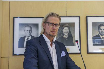 """""""On käsittämätöntä että kunnan hallintosääntöä noudattavasta päätöksestä voi saada virkarikossyytteen Kittilässä""""  Yrjötapio Kivisaari vetäytyy luottamustehtävistään"""