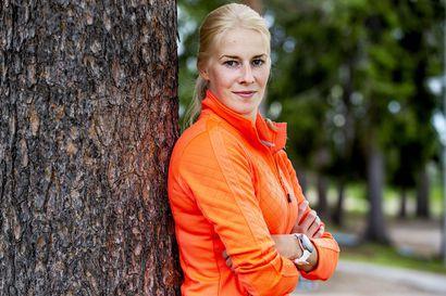 """Ranualainen Jenna Pirttijärvi, 26, nousi kahdessa vuodessa harrastesarjasta maajoukkueleiritykseen: """"Ei vaadi viidentoista vuoden joukkuetaustaa, että osaat pelata"""""""